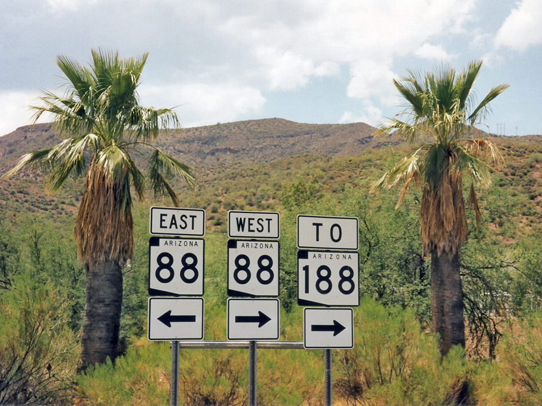 AZ 88 road signs