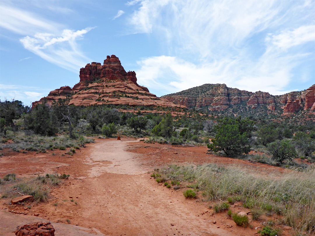 Wide trail approaching Bell Rock
