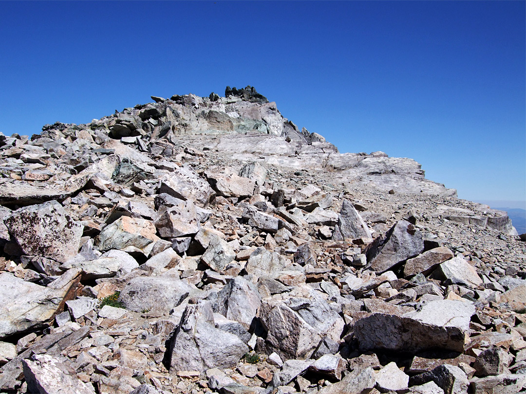 Jagged rocks at the summit of Mount Dana