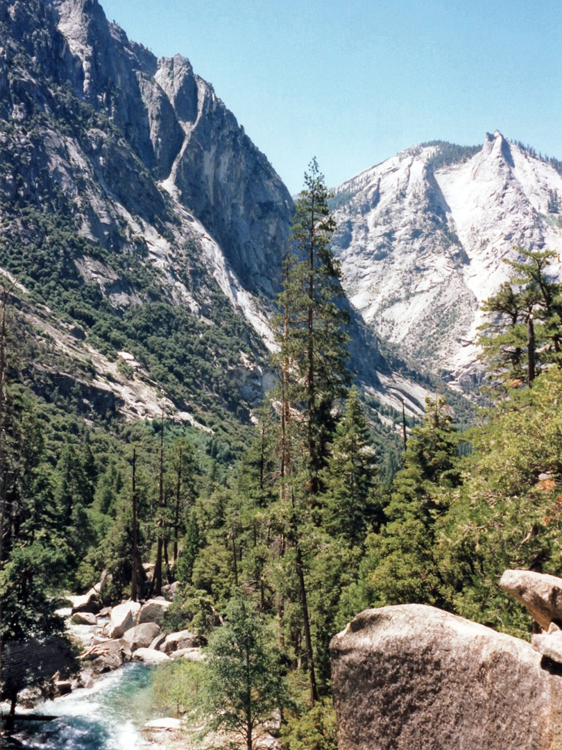Kings Canyon, below Mist Falls
