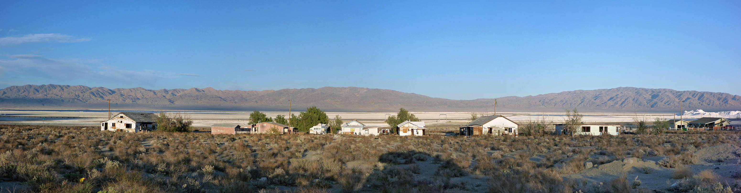 Houses in Trona