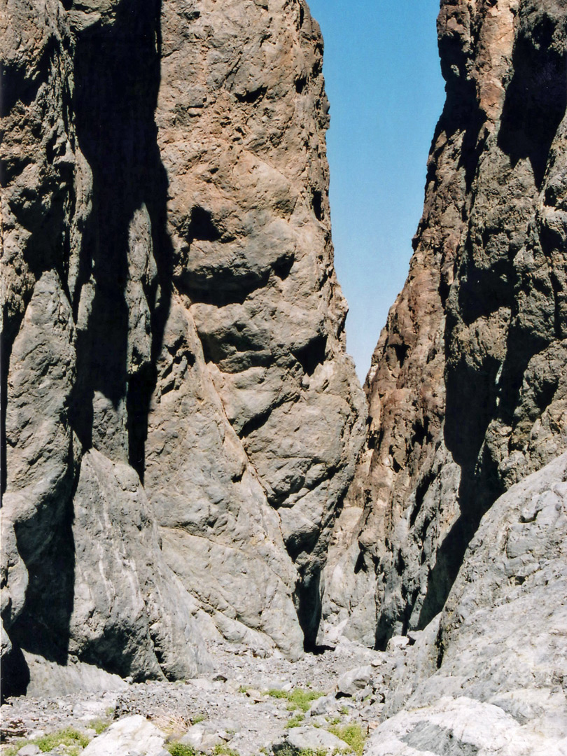 Narrow gorge