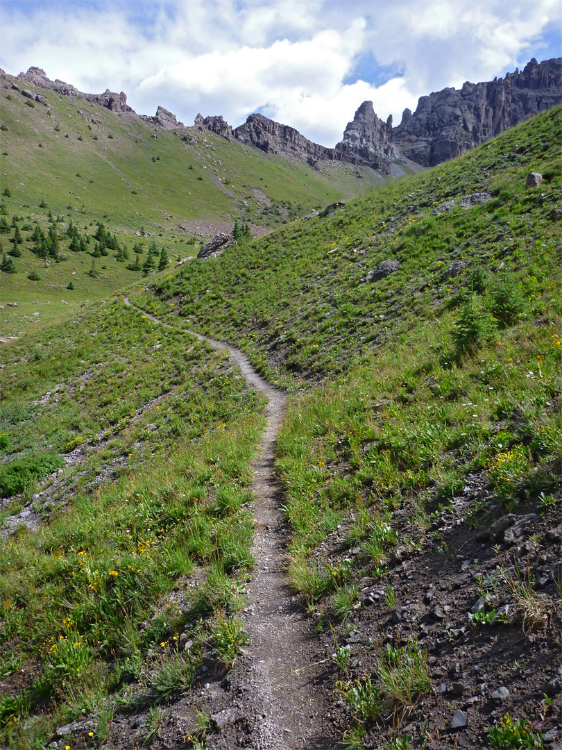Trail entering Pack Basin