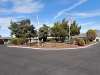 Econo Lodge Inn & Suites Medford