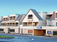 Travelodge by Wyndham Ocean Front Sunset Beach