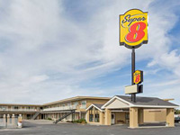 Super 8 by Wyndham Wells
