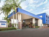 Travelodge Anaheim Inn and Suites on Disneyland Drive