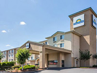Days Inn by Wyndham Portland East