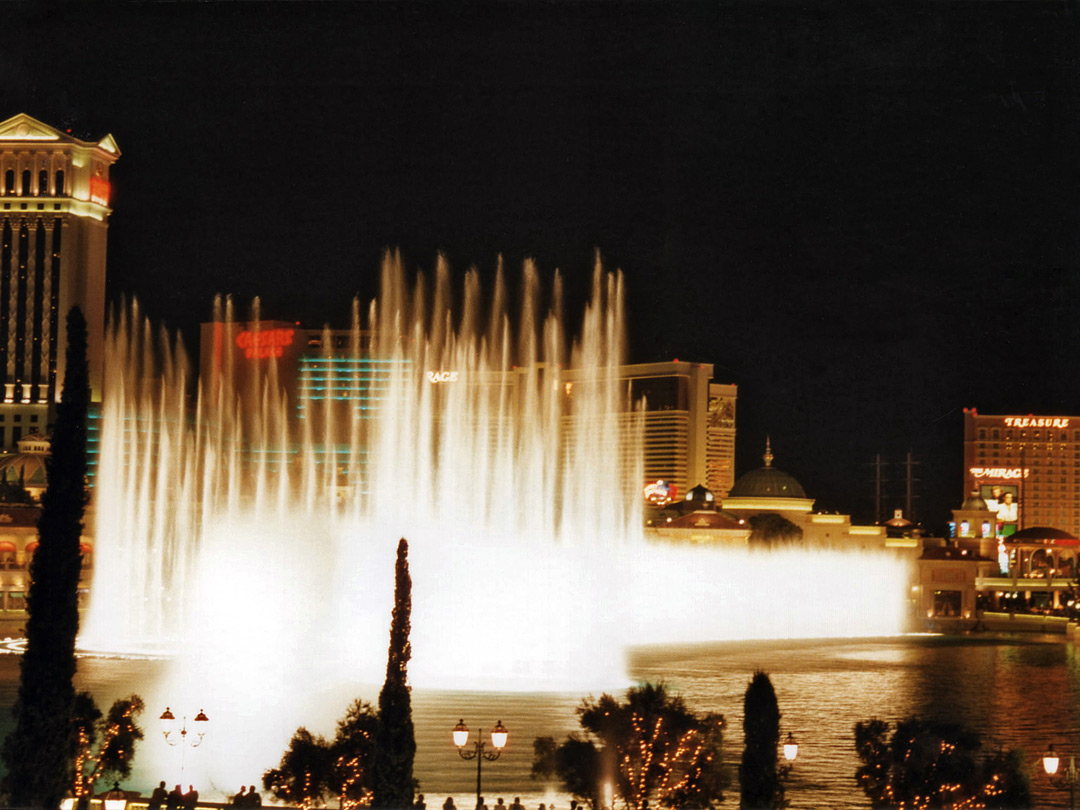 Fountains in front of Bellagio