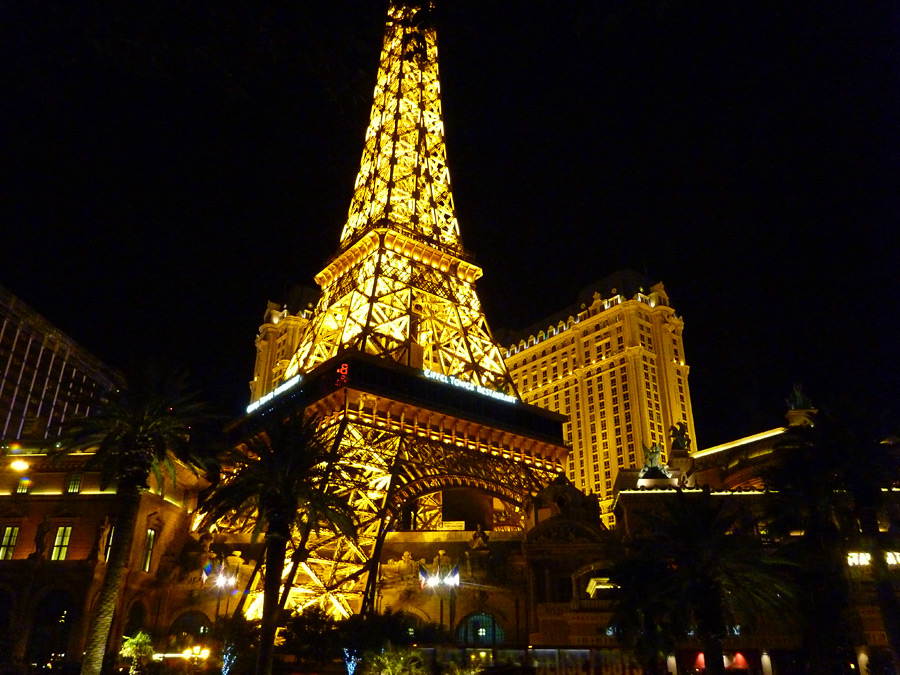 casino next to paris las vegas
