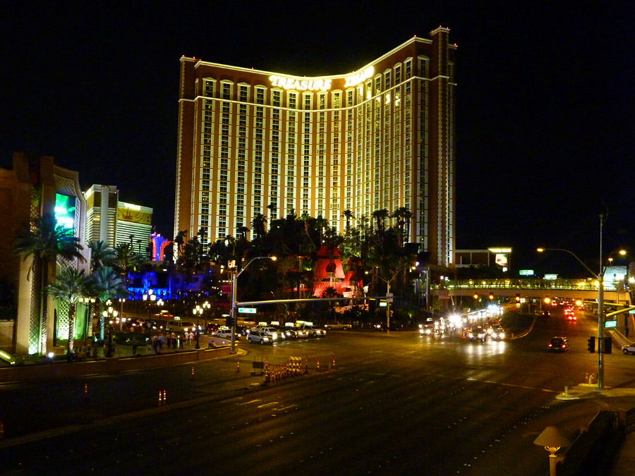 Sands Ave - Las Vegas Blvd intersection