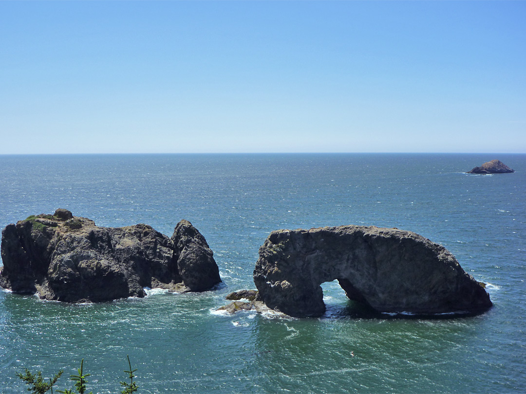 Arch Rock and the Pacific Ocean