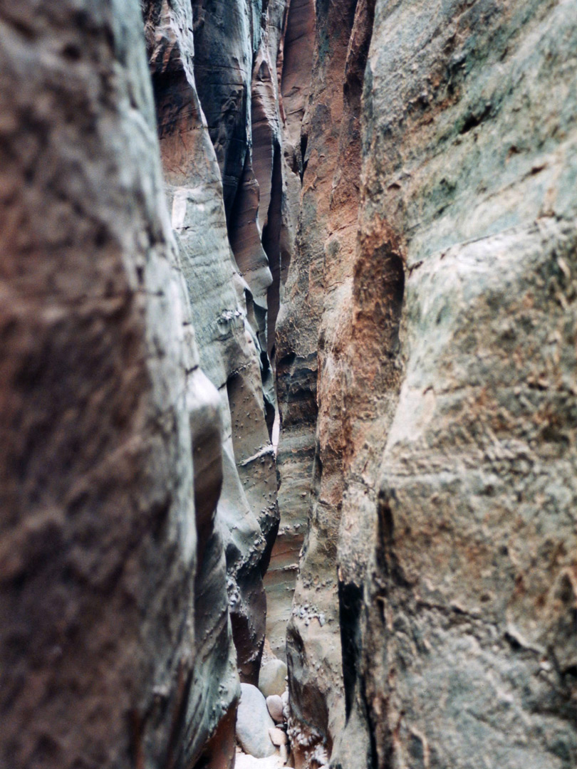 Extreme narrows