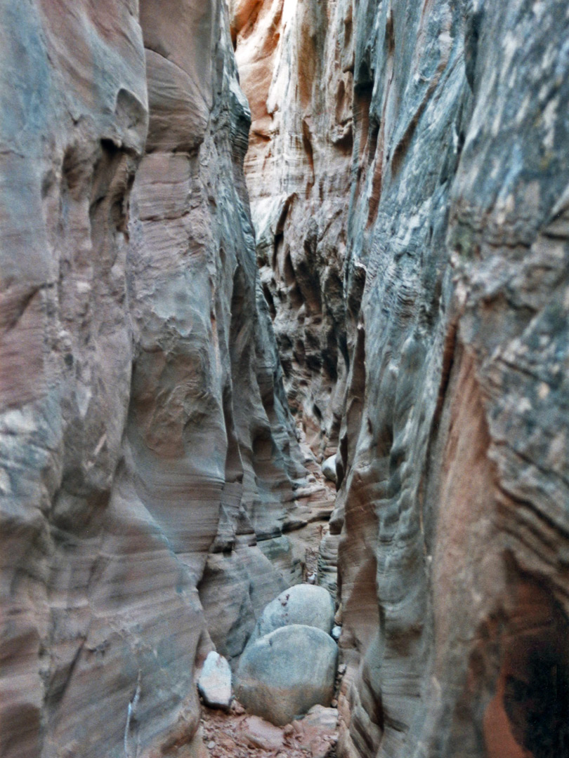 Narrow side canyon