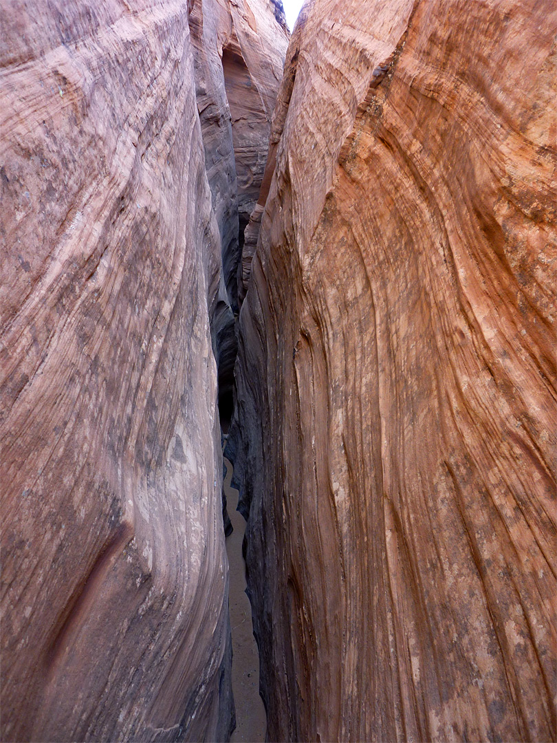 Narrow canyon