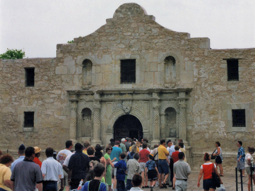 Queue for The Alamo
