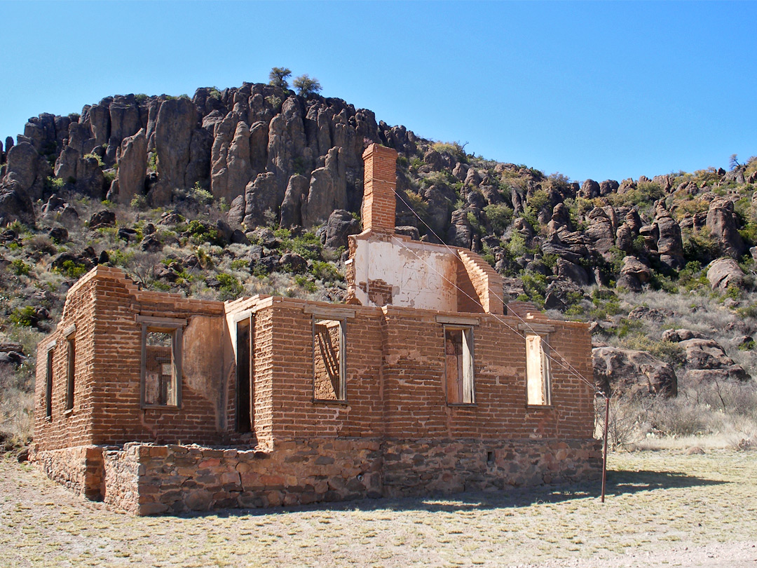 Officers quarters - ruin