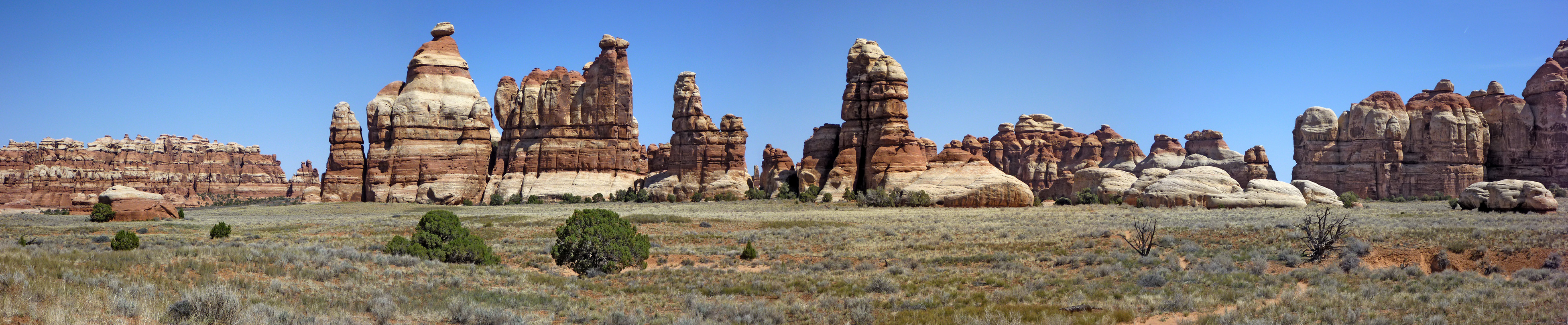 Photographs of Chesler Park and the Joint Trail, Canyonlands National ...
