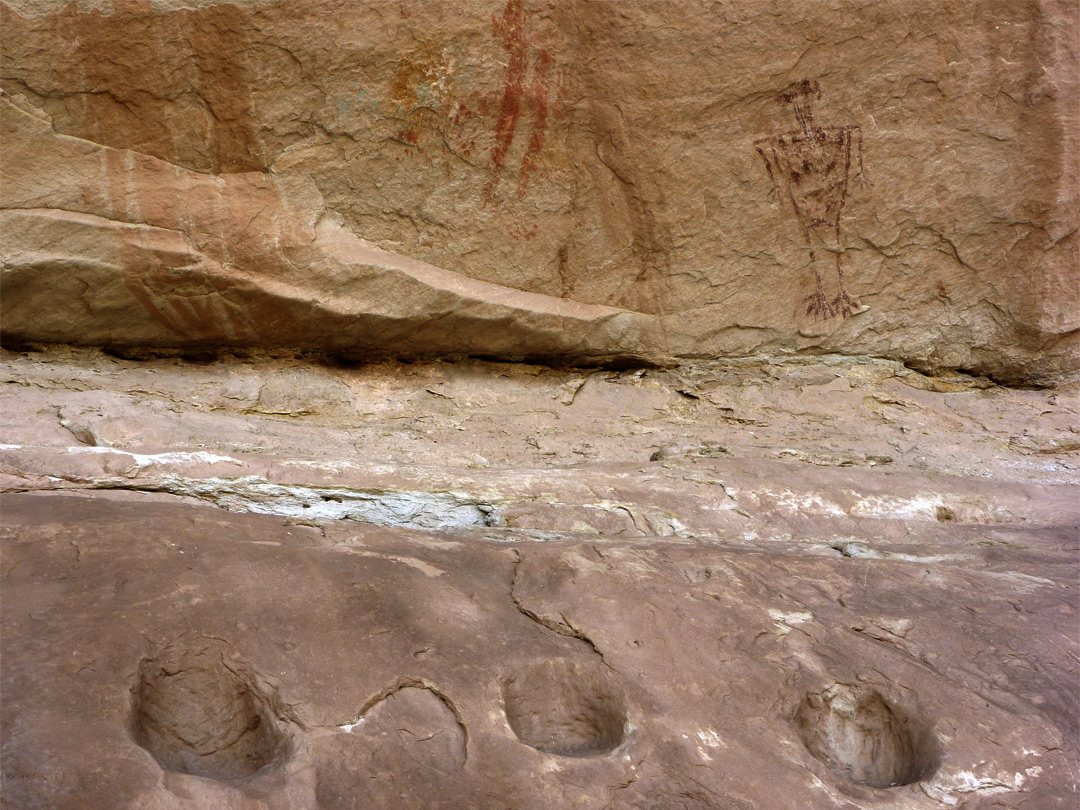 Metates and pictographs