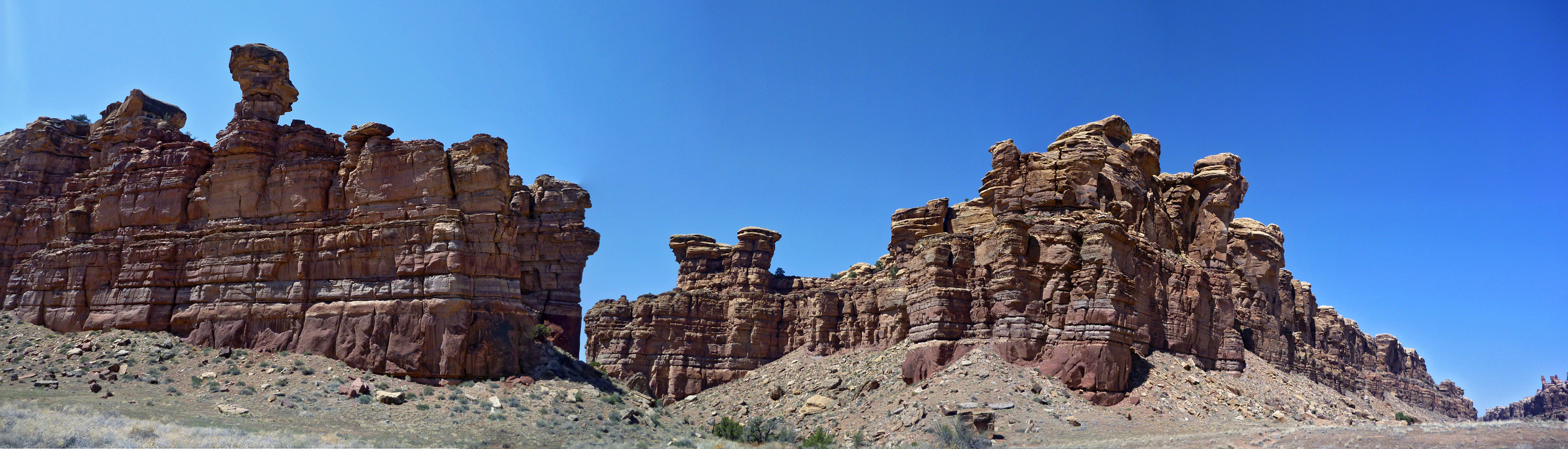 Cliffs and pinnacles on the west side of Cyclone Canyon