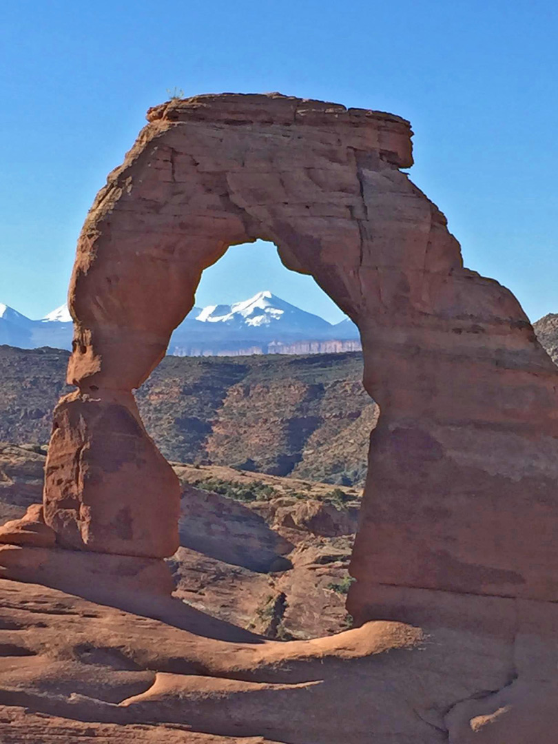 The arch, and the mountains