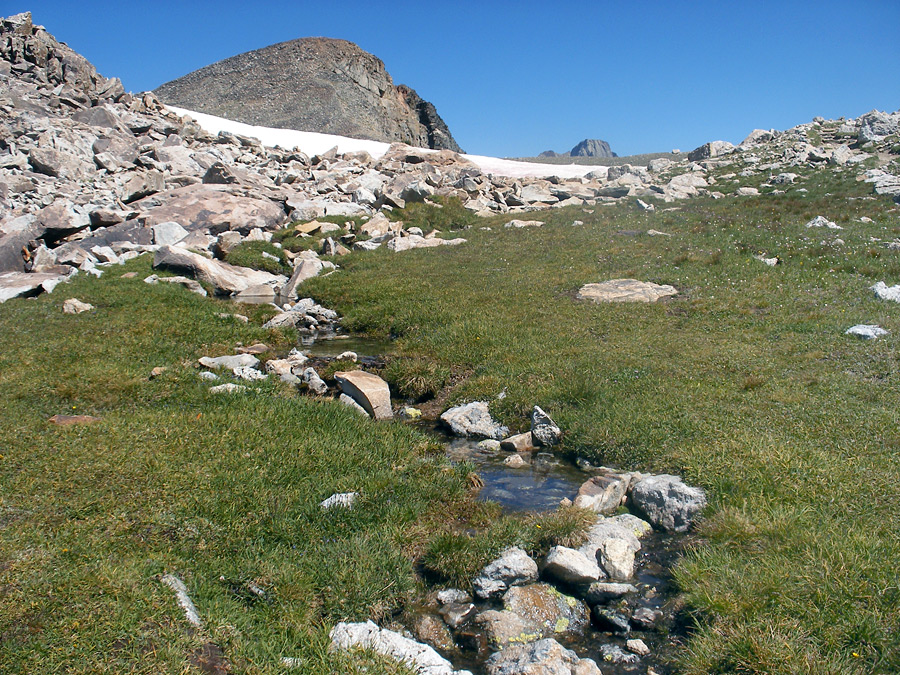 Stream near Paintbrush Divide