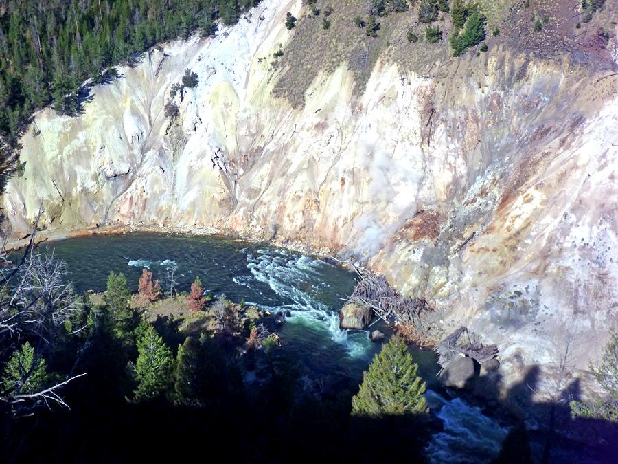 Calcite Springs Yellowstone River Picnic Area Trail